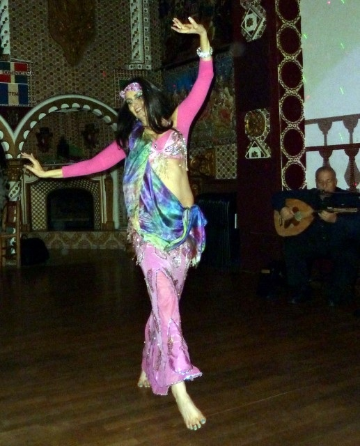 Denell Dilley teaches bellydance in Encinitas, CA